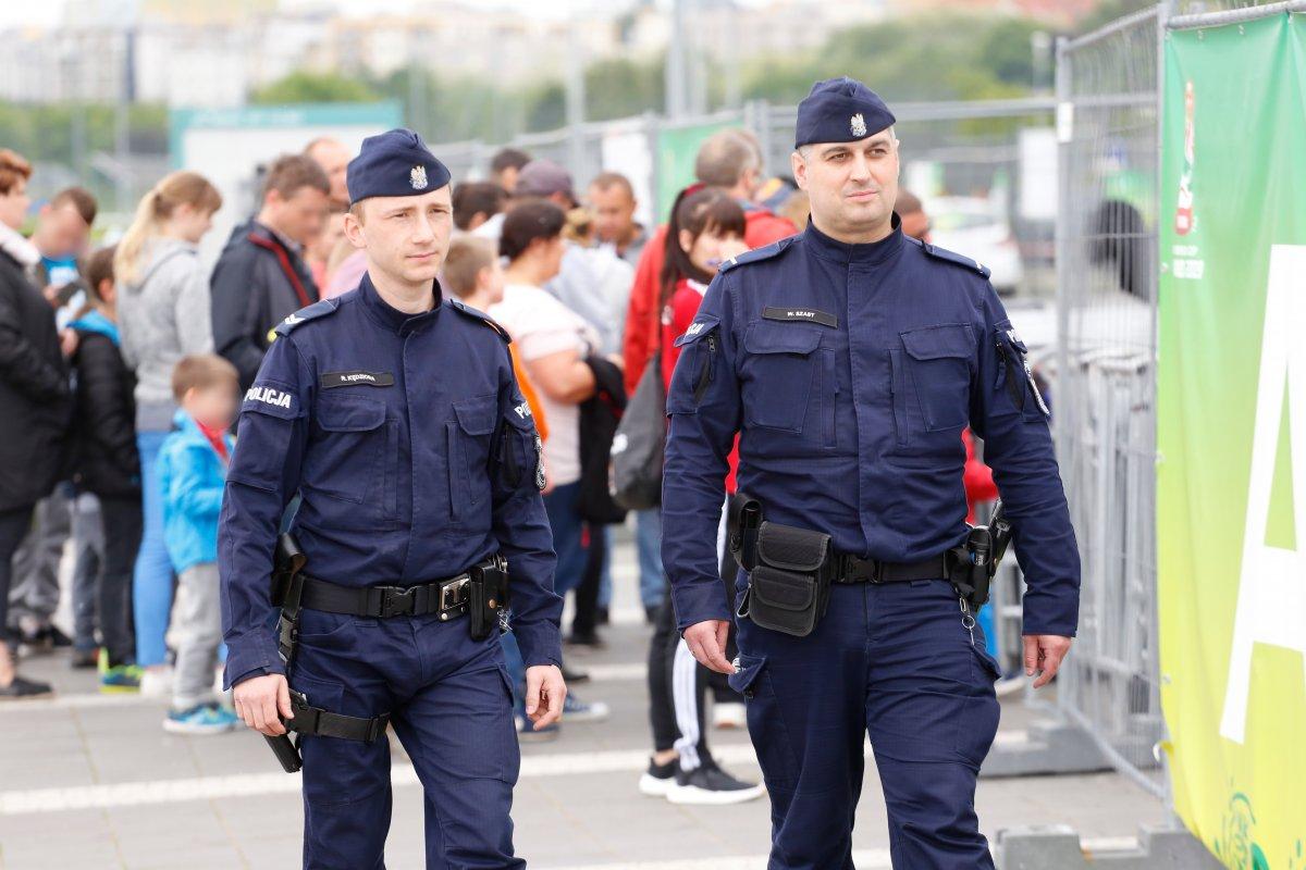 68 151016 g Tak wygląda służba oddziału prewencji policji - film i zdjęcia