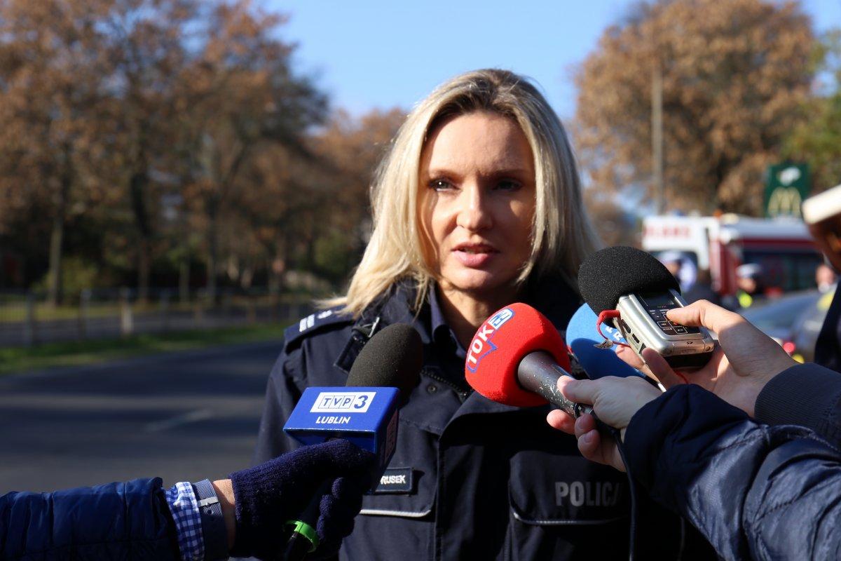 rzezcnik prasowy KWP w Lublinie podczas briefingu