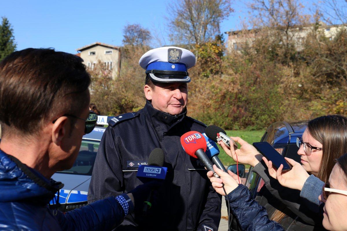 Naczelnik WRD KWP w Lublinie podczas briefingu