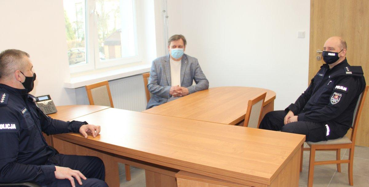 Spotkanie Komendanta Powiatowego Policji w Łęcznej z kierownikiem posterunku policji w Milejowie oraz Wójtem Milejowa.